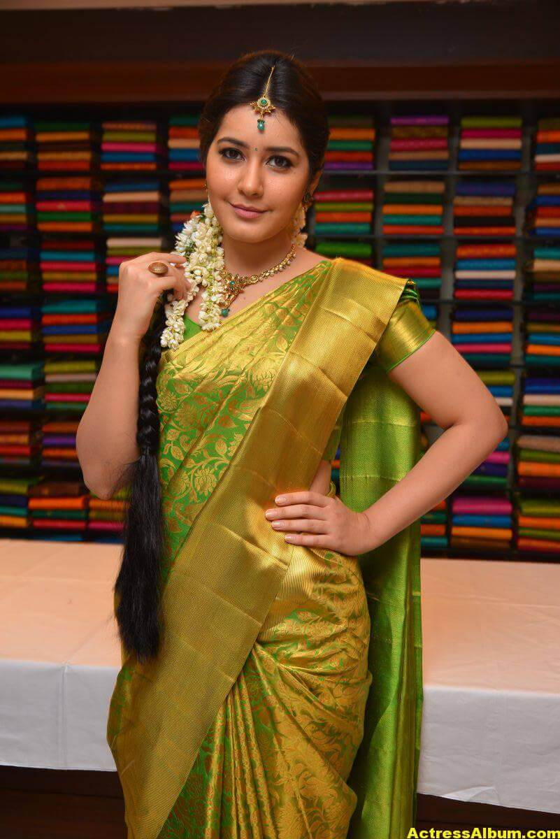Rashi Khanna Stills In Green Kanchipuram Saree 4