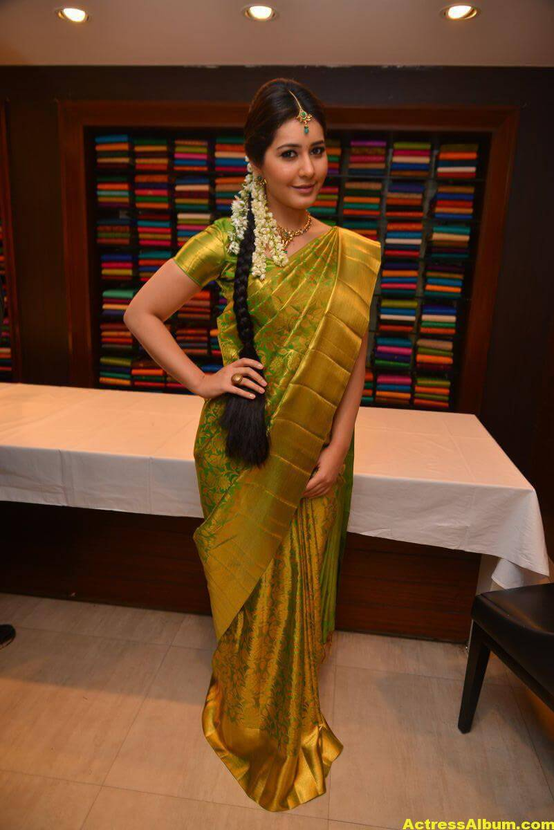 Rashi Khanna Stills In Green Kanchipuram Saree 5