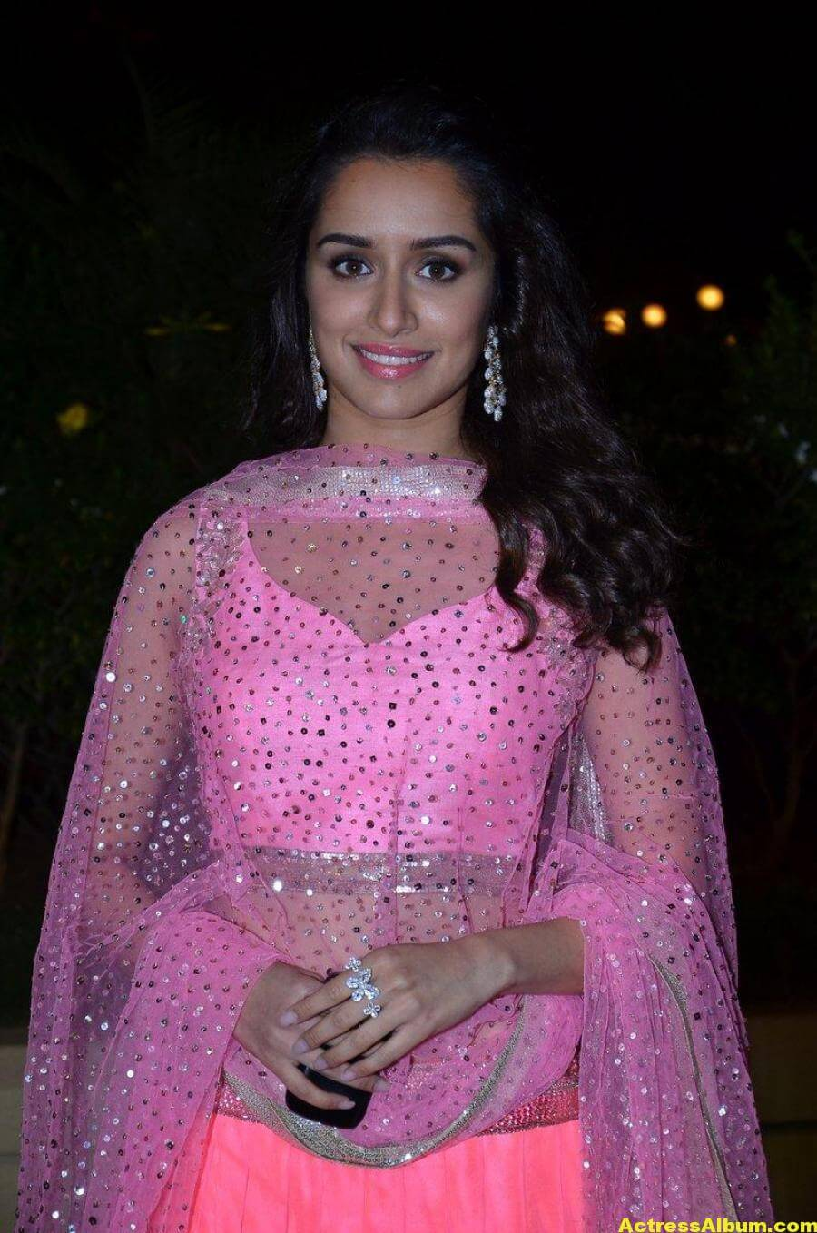 Shraddha Kapoor Hot Photos At Wedding Reception In Pink Dress 1