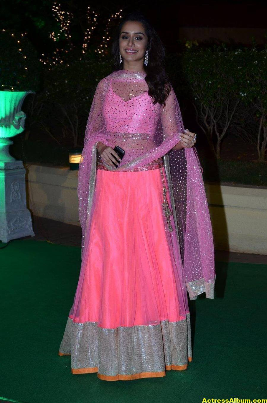 Shraddha Kapoor Hot Photos At Wedding Reception In Pink Dress 2