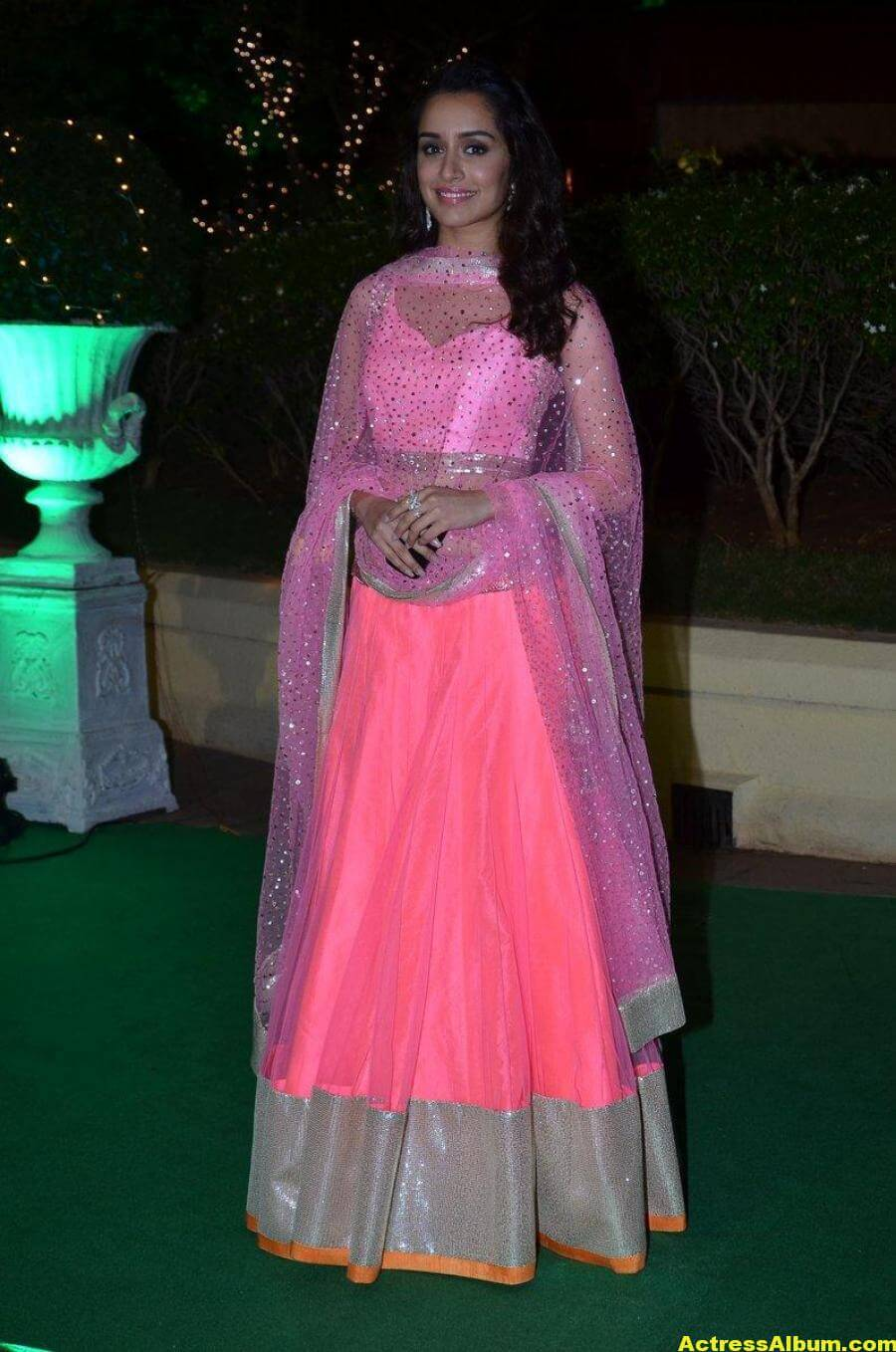 Shraddha Kapoor Hot Photos At Wedding Reception In Pink Dress 4