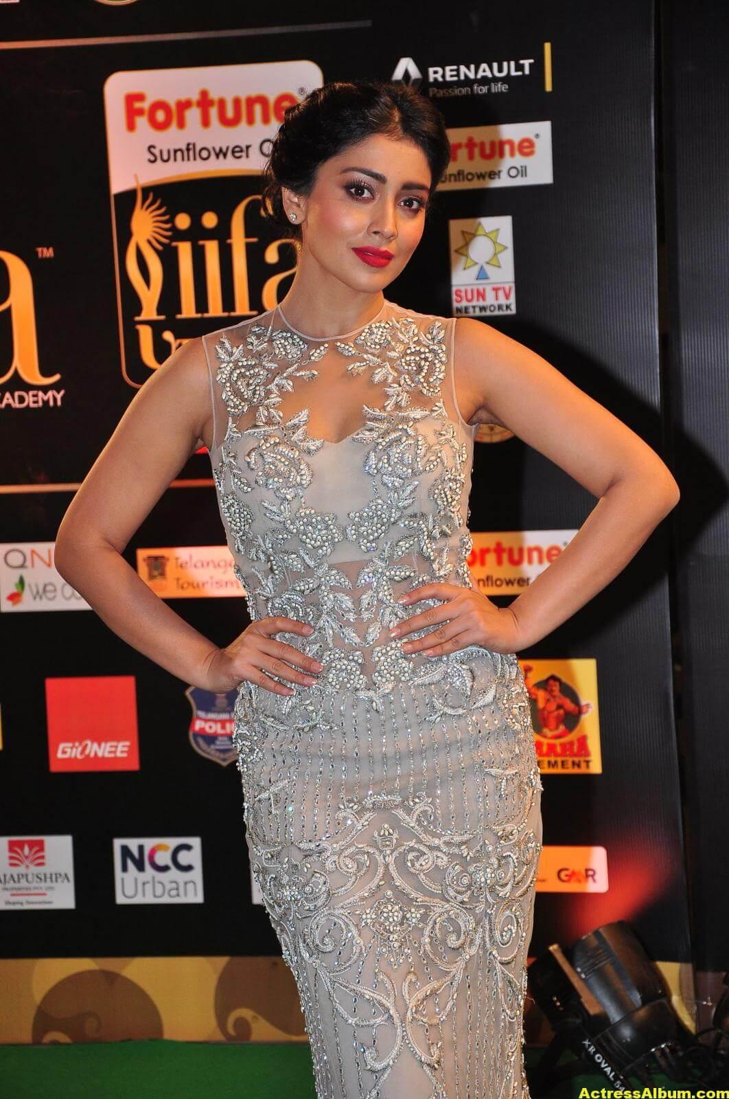 Shriya Saran Hot in IIFA Utsavam in White Dress 5