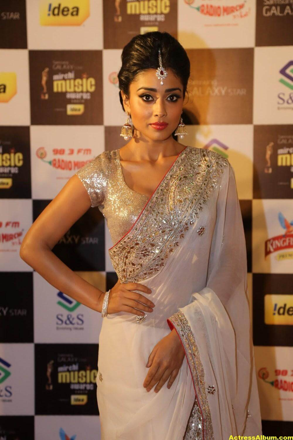 Shriya Saran Latest Hot Photos In White Saree 0