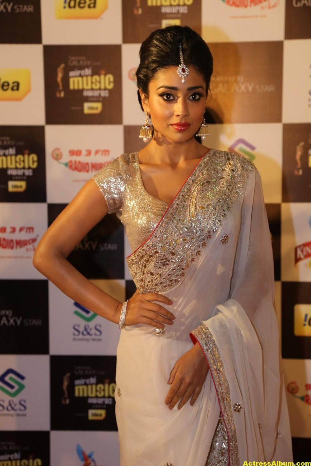 Shriya Saran Latest Hot Photos In White Saree 2