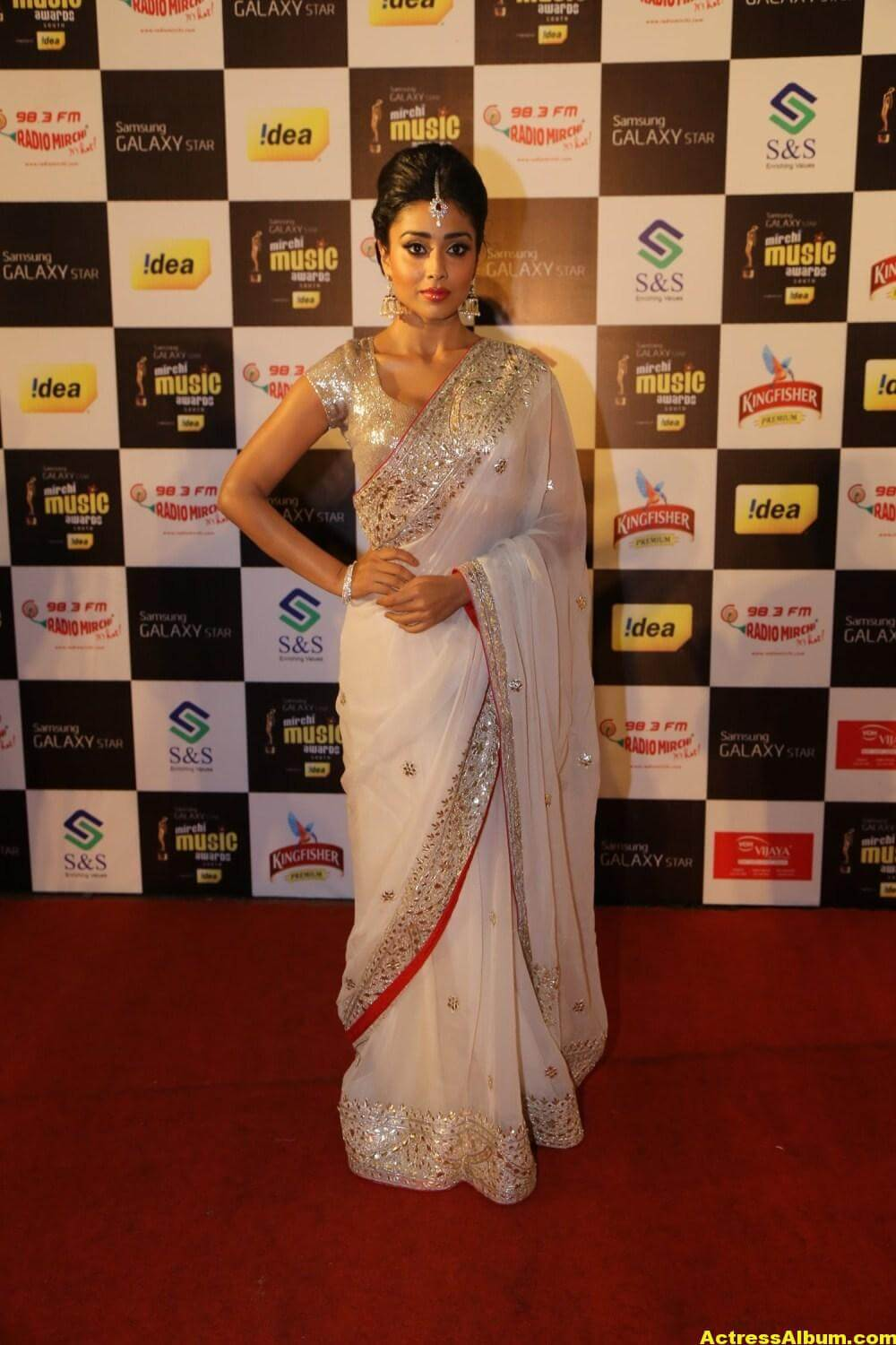 Shriya Saran Latest Hot Photos In White Saree 4