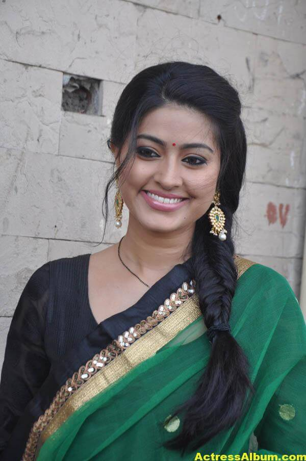 Sneha Latest Hot Photos In Green Designer Saree 1