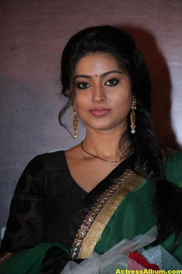 Sneha Latest Hot Photos In Green Designer Saree 3