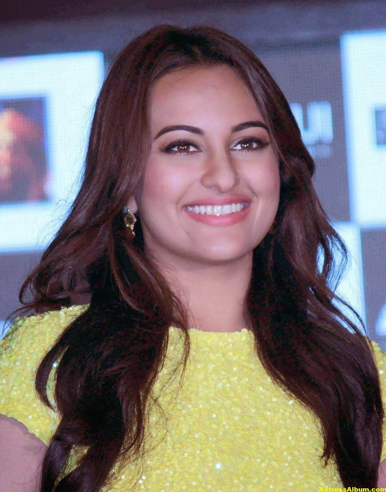 Sonakshi Sinha Spicy Stills In Yellow Dress 0