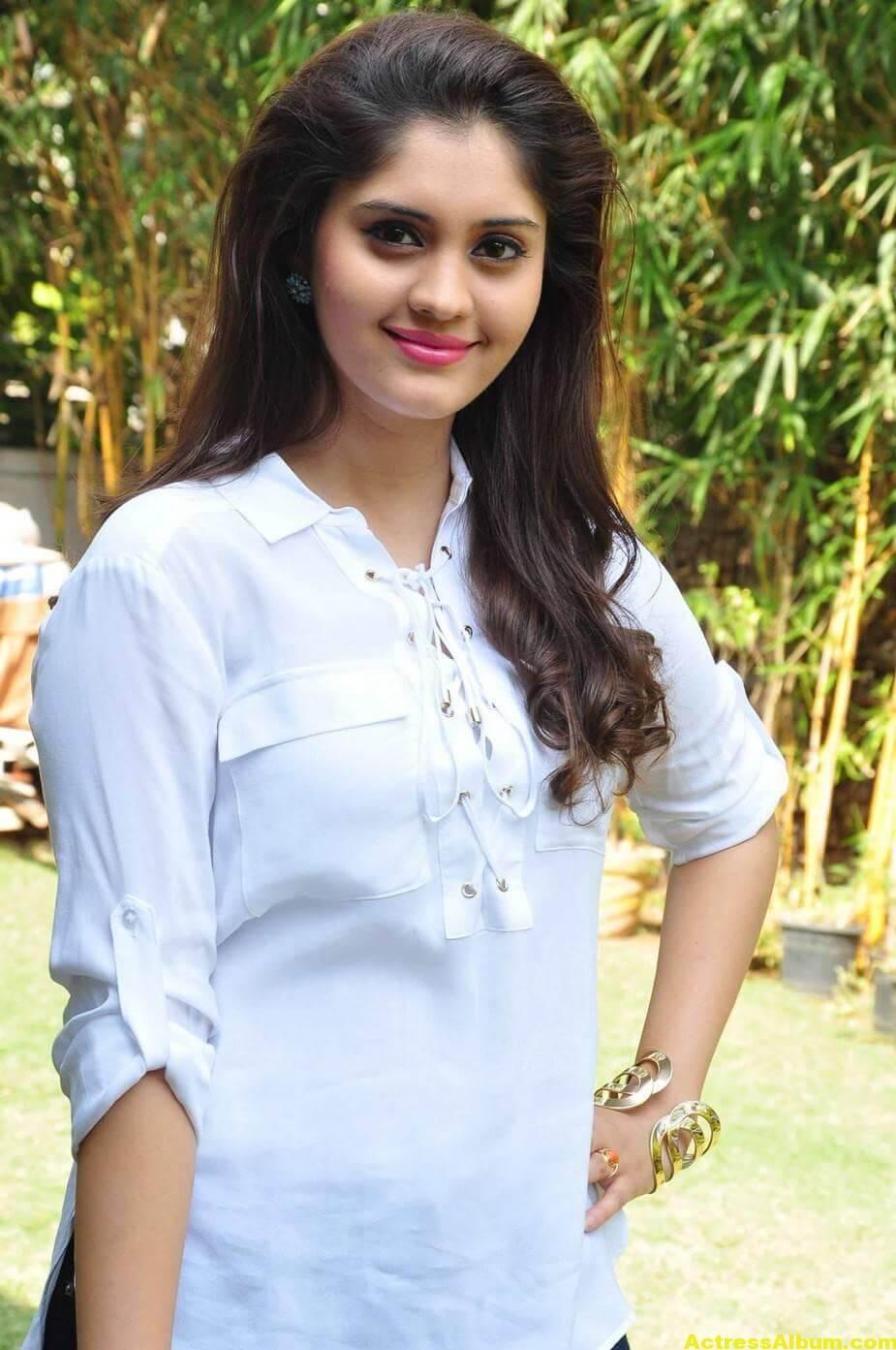 Tamil Actress Surabhi Hot Photos 1