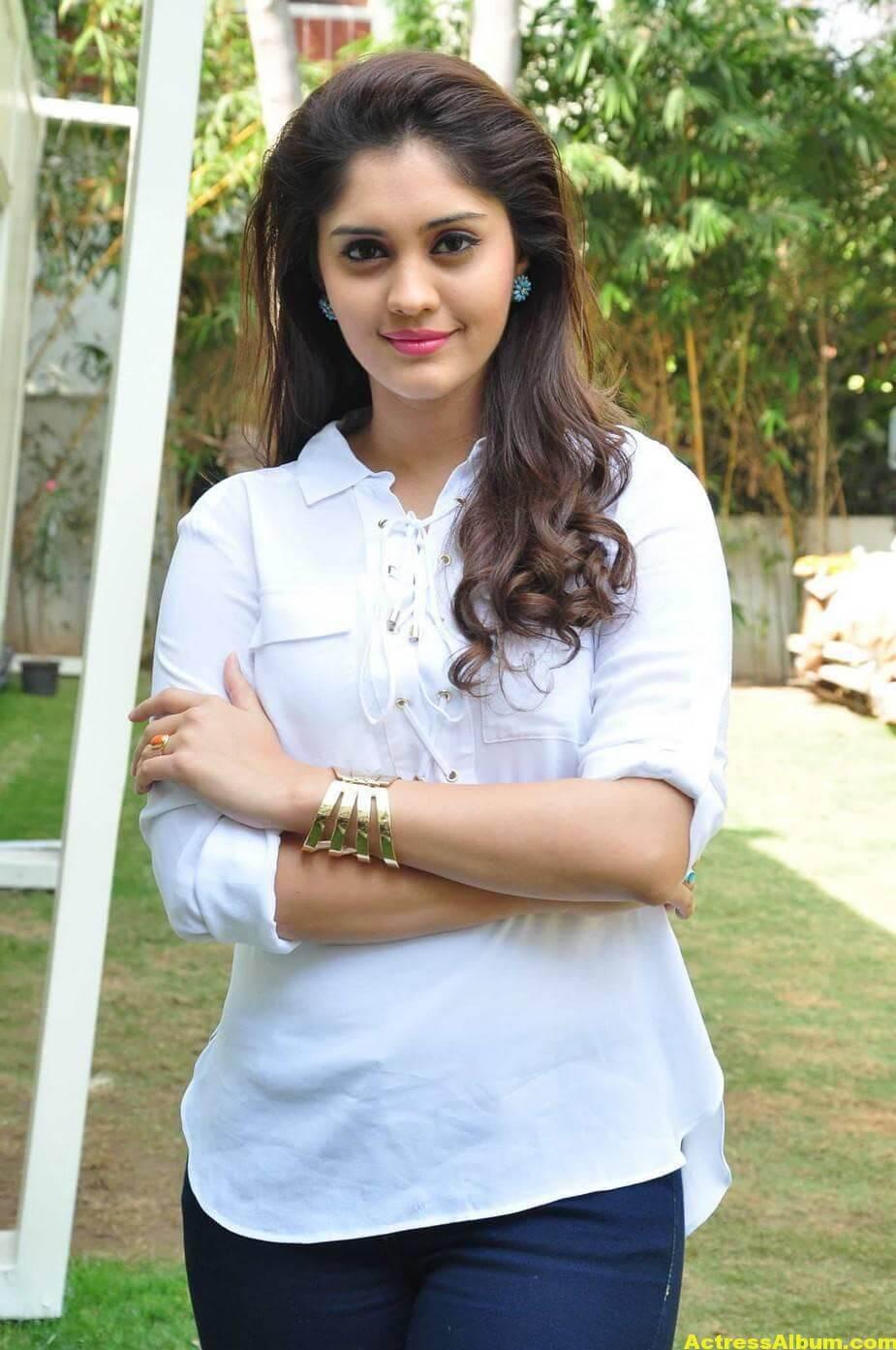Tamil Actress Surabhi Hot Photos 2
