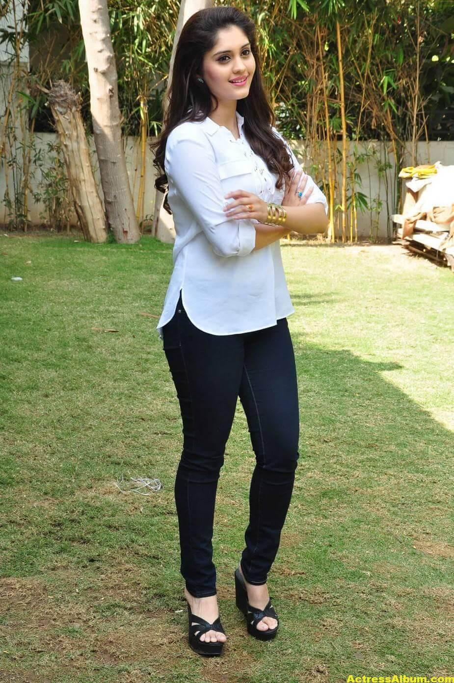 Tamil Actress Surabhi Hot Photos 4