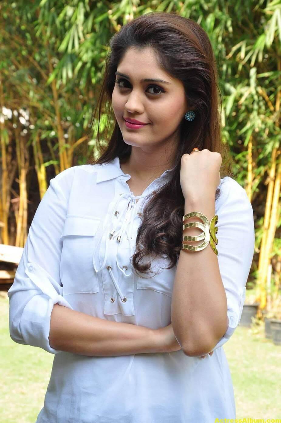 Tamil Actress Surabhi Hot Photos 5