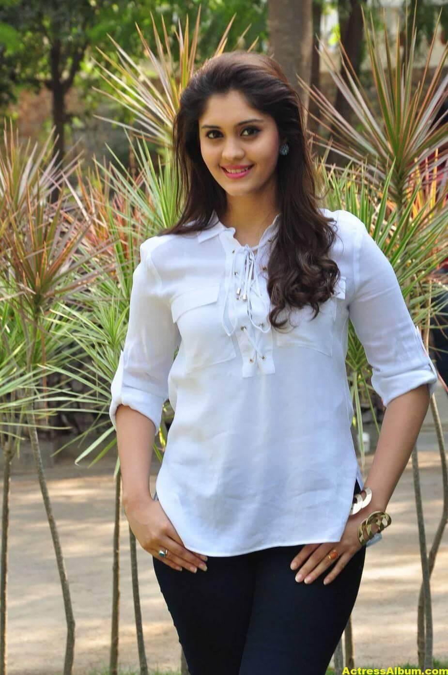 Tamil Actress Surabhi Hot Photos 6