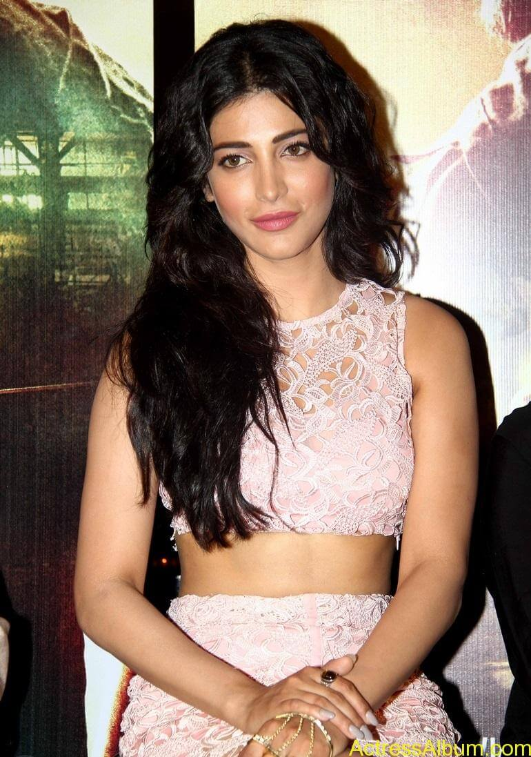 actress-shruti-haasan-in-pink-dress-stills-2