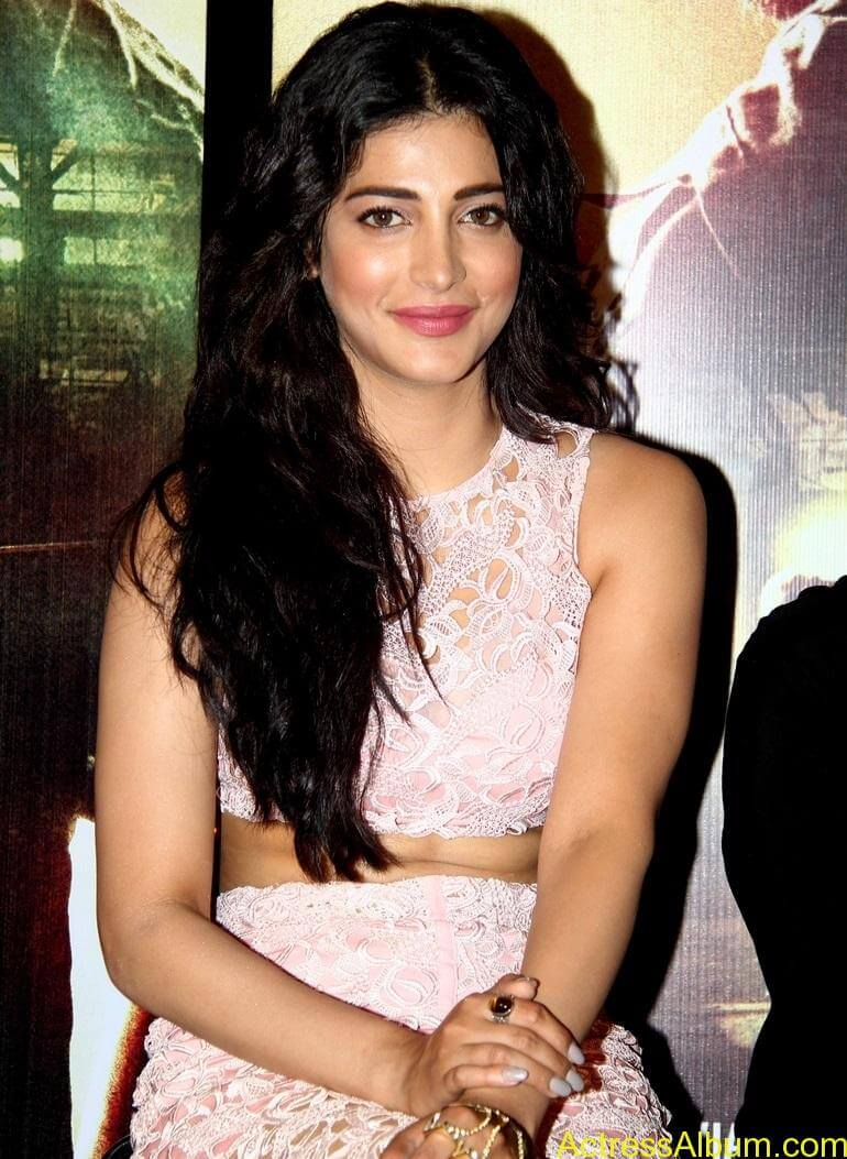 actress-shruti-haasan-in-pink-dress-stills