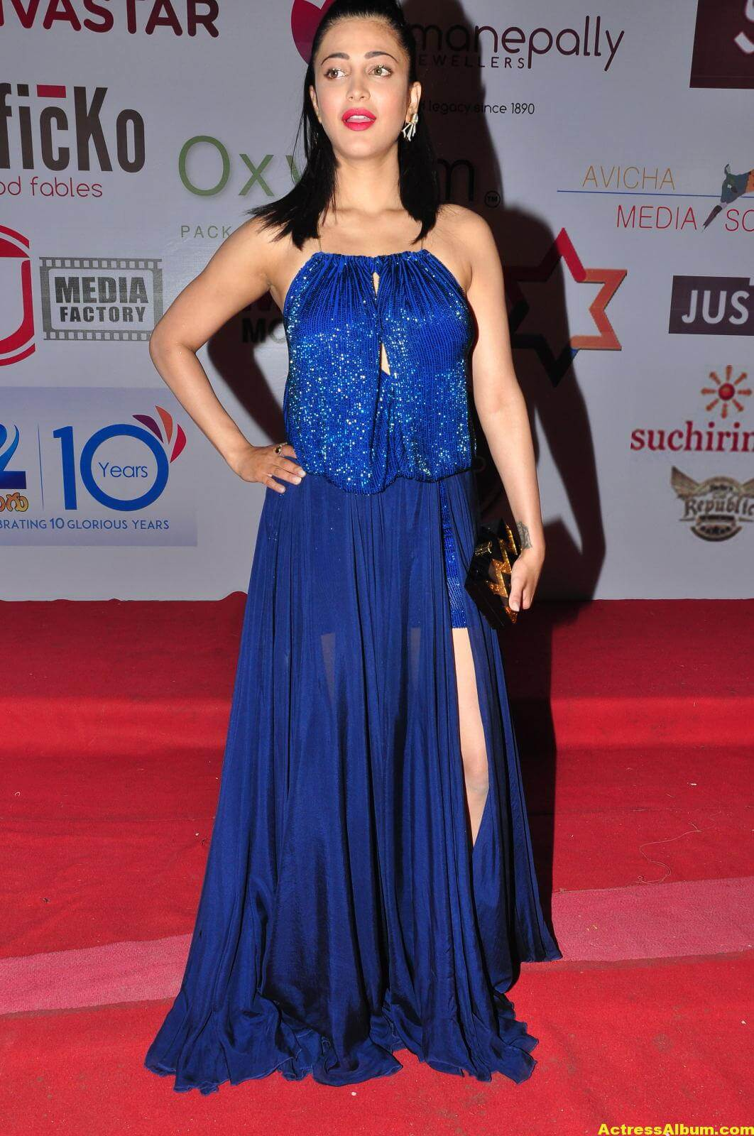 actress-shruti-hassan-in-blue-gown-at-movie-audio-release-1