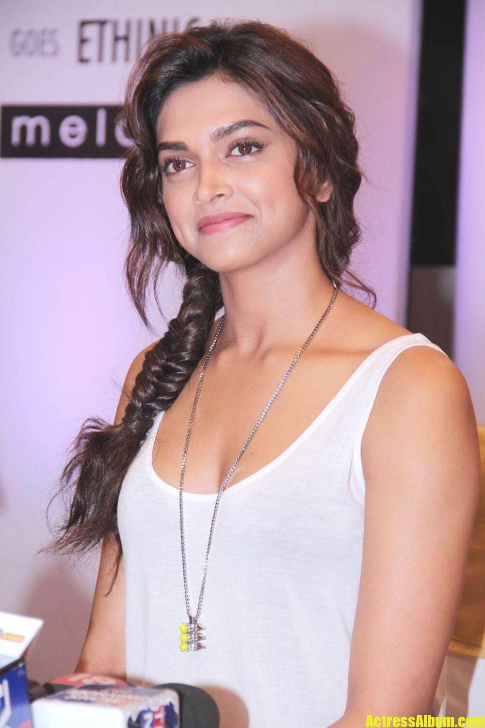 deepika-padukone-cocktail-photos-1