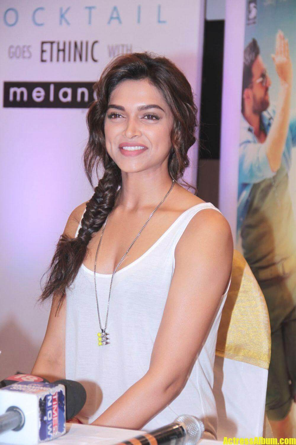 deepika-padukone-cocktail-photos-5