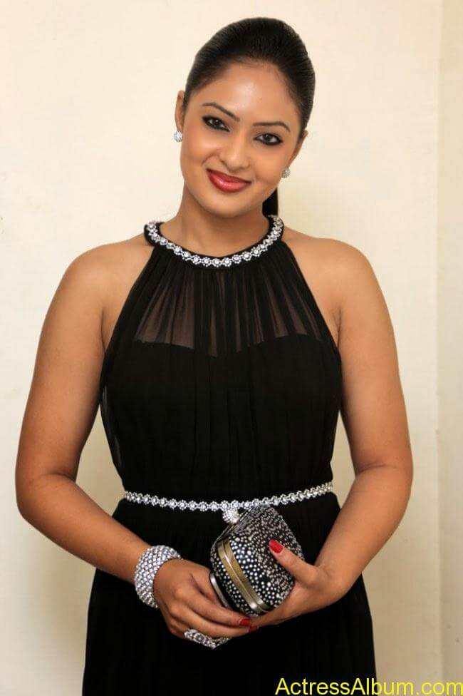 nikesha-patel-hot-in-black-dress-1