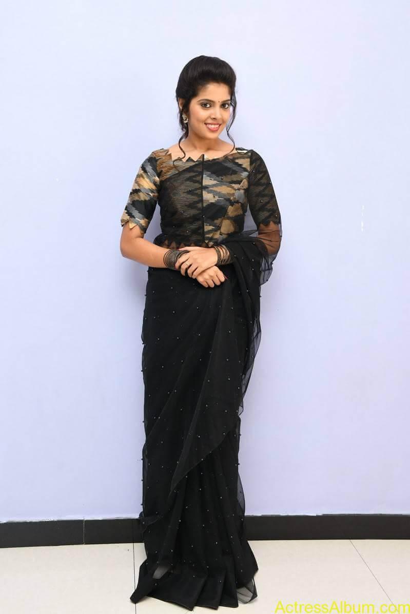 Pagiri Movie Actress