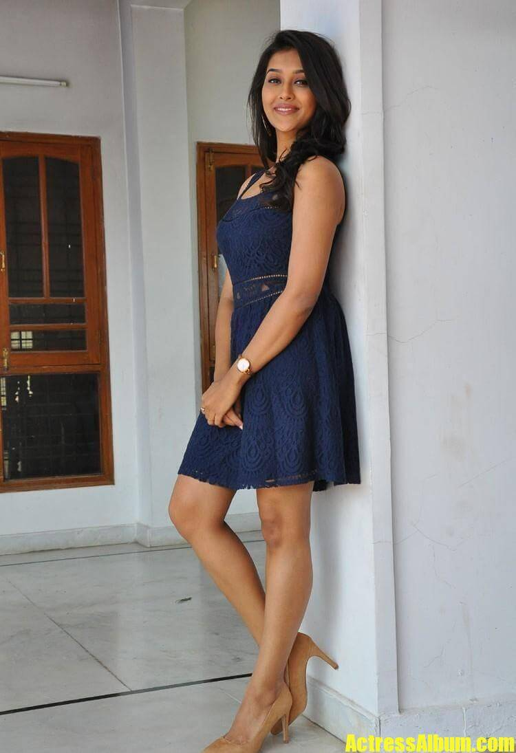 Actress Pooja Jhaveri Long Legs Stills In Blue Dress
