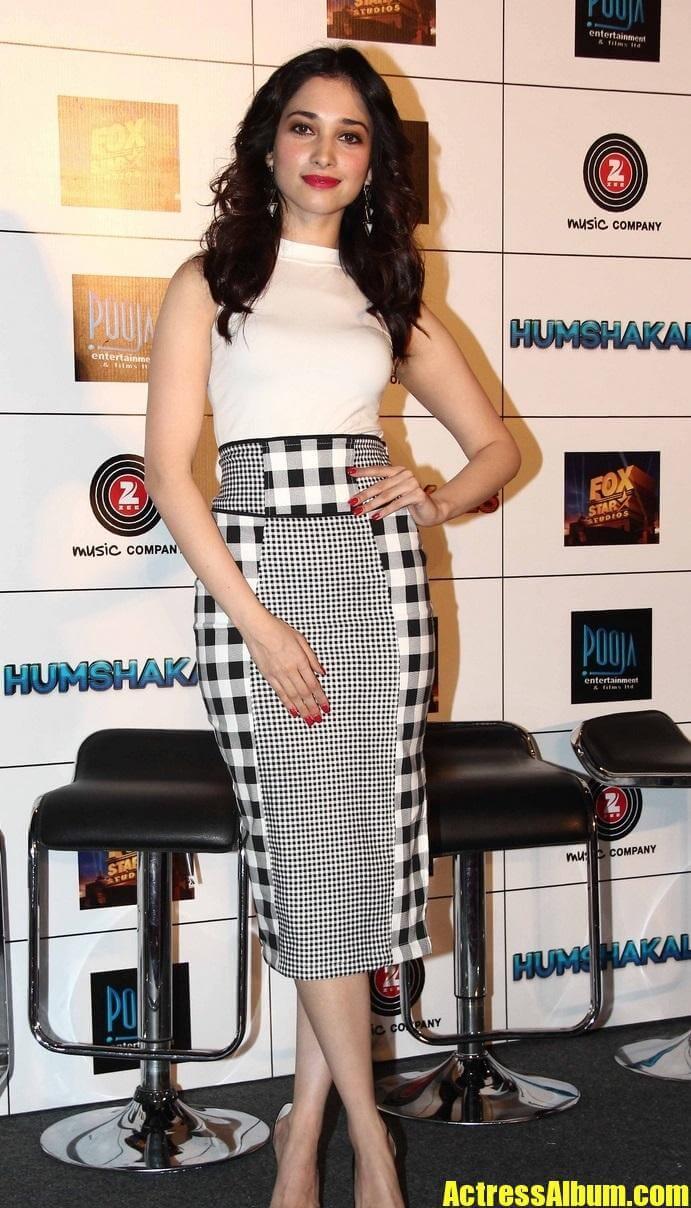 Actress Tamanna Hot Stills