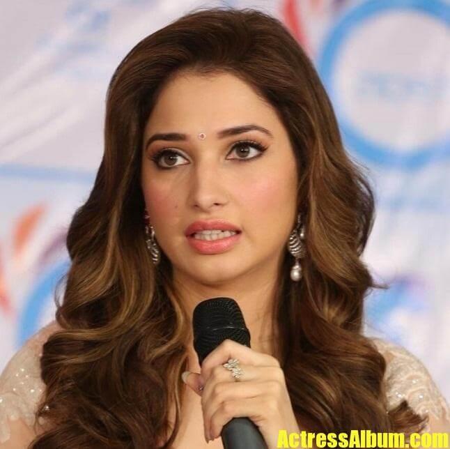 Bollywood Actress Tamanna In Pink Saree