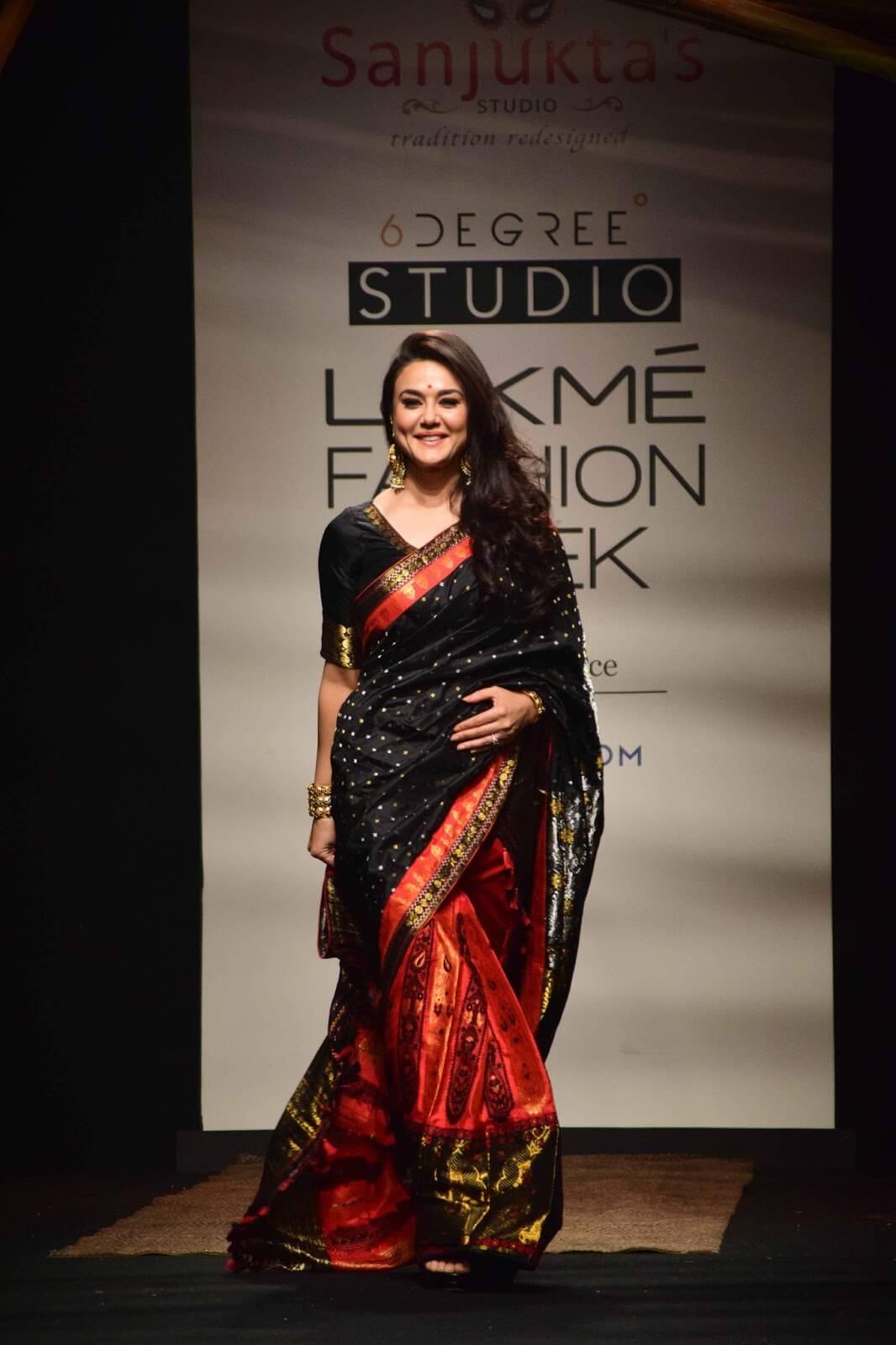 Preity Zinta In Black Saree at Lakme Fashion Week
