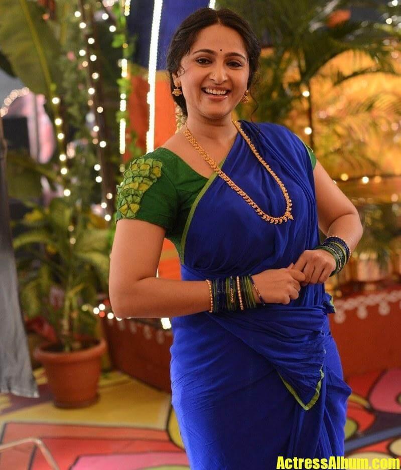 Anushka Shetty New Photos In Blue Saree