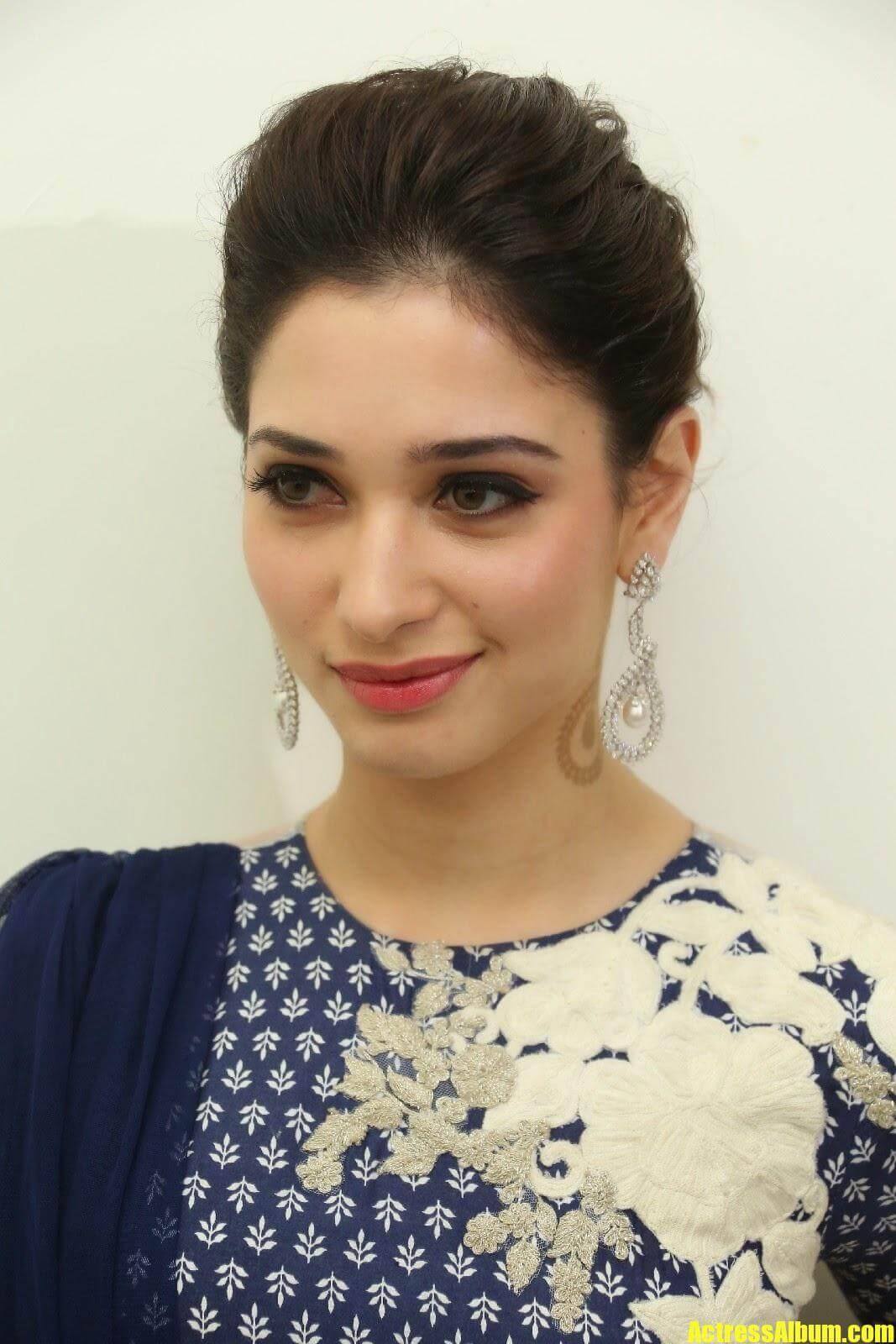 Actress Tamanna Smiling Pics