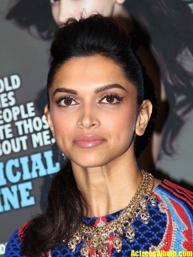Deepika Padukone Hot Face Close Up Stills In Blue Dress (4 ...