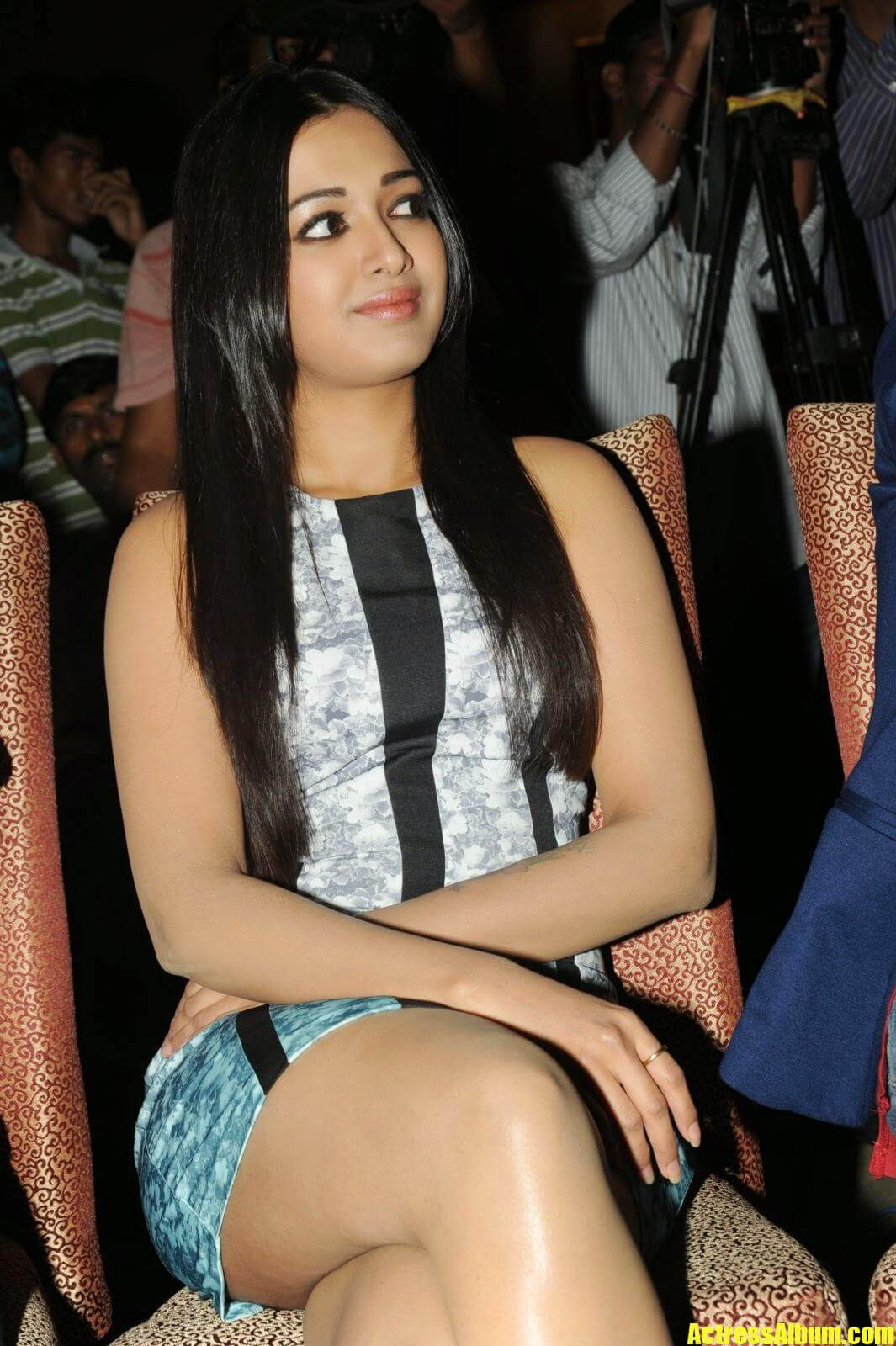 Catherine Tresa Hot Hd Wallpapers Images Pictures -9557
