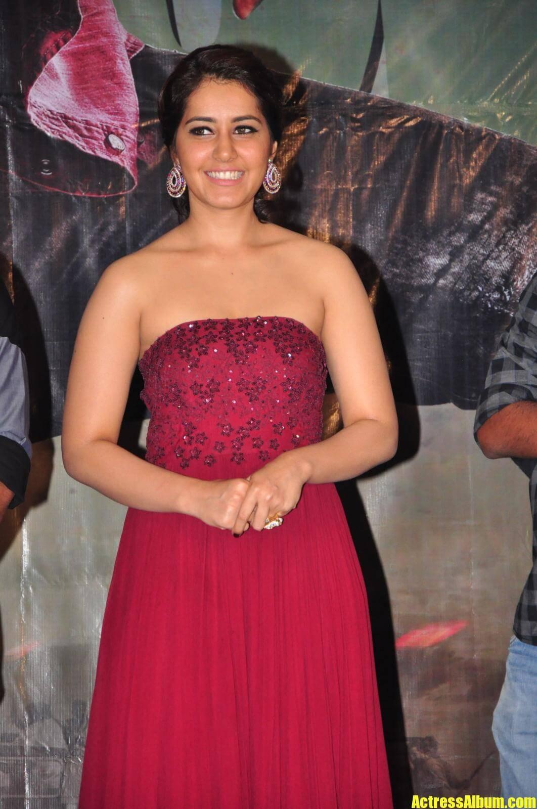 Rashi Khanna At Movie Function