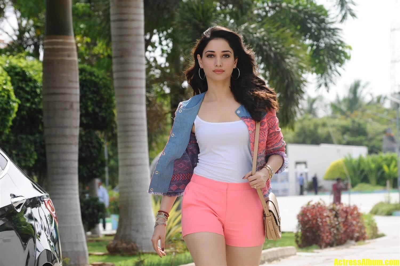Tamanna Kathi Sandai Movie Photos