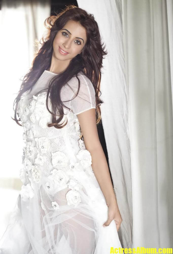 Hot Beauty Sanjana Latest Portfolio Gallery