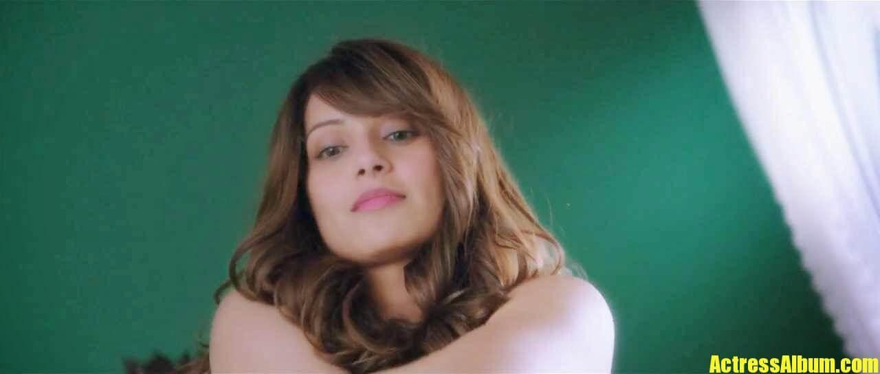 Bollywood Spicy Actress Bipasha Basu Sexy Stills - Actress Album-8504