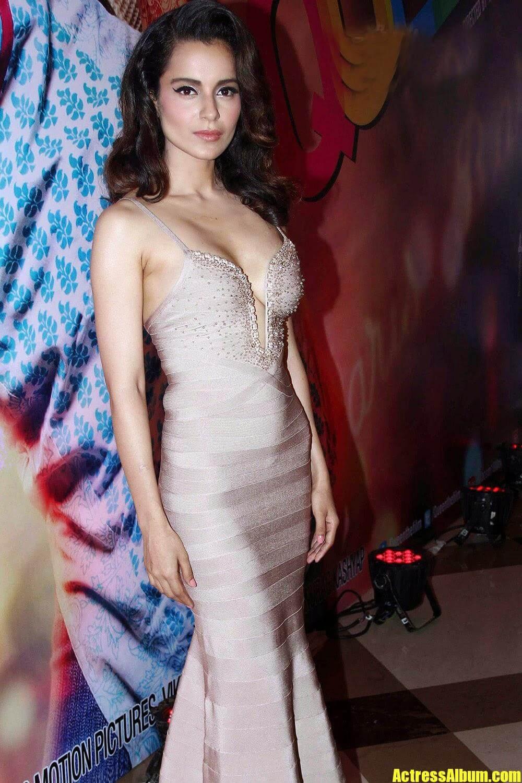 Bollywood Hot Kangana Ranaut Sexy Stills At Queen Movie