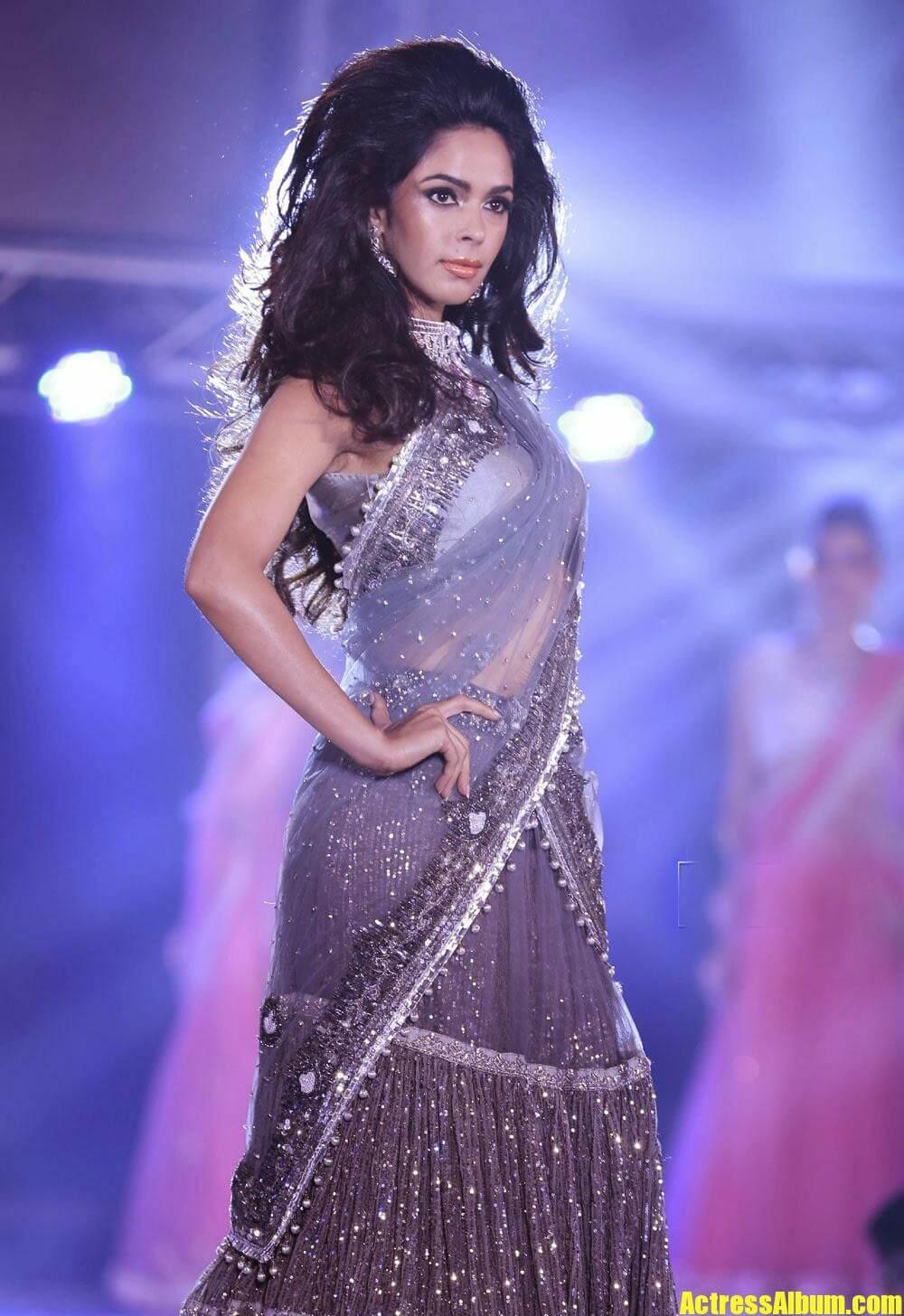 Sexy Pics Mallika Sherawat