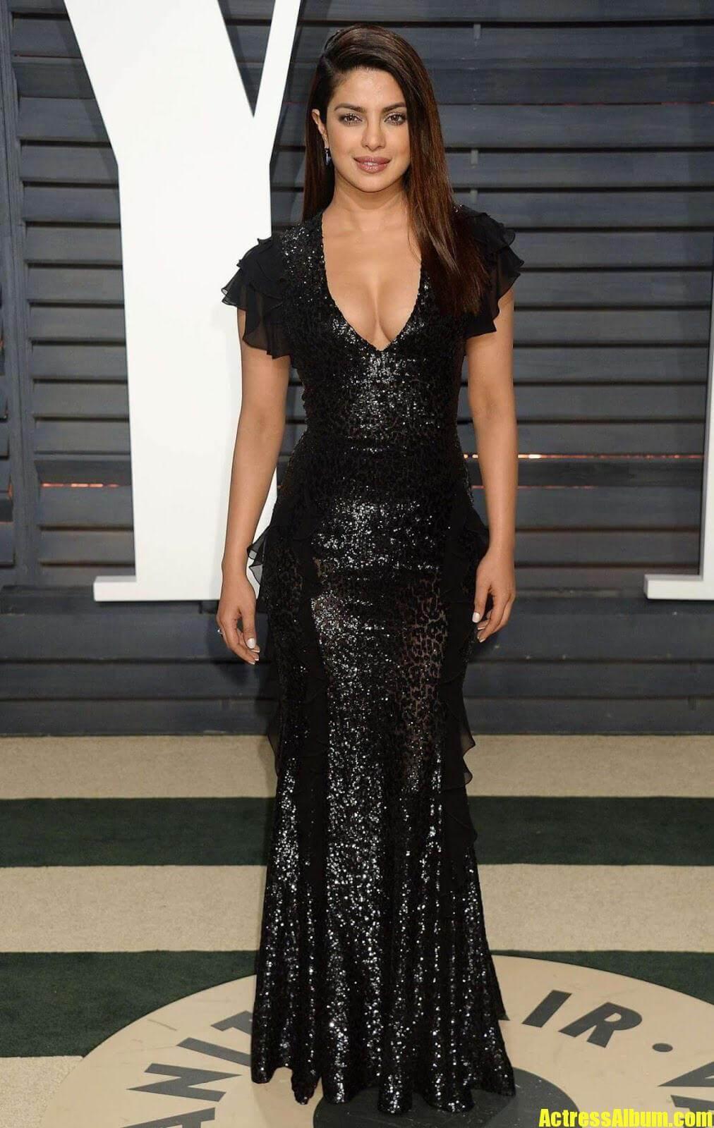 Priyanka Chopra In Black Gown at Oscars Awards