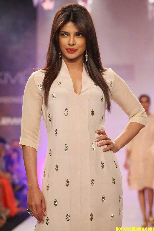 Priyanka Chopra Ramp Walk Stills at Lakme Fashion Week