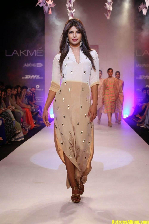 Priyanka Chopra Stills at Lakme Fashion Week