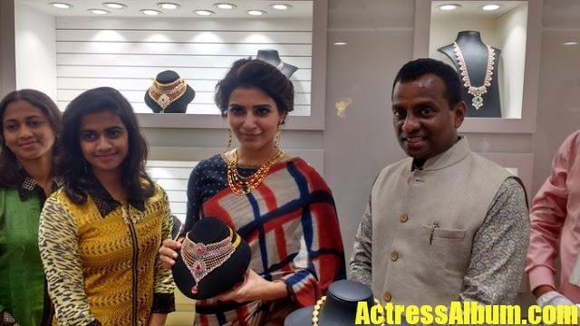 Samantha At Shopping Mall Launch