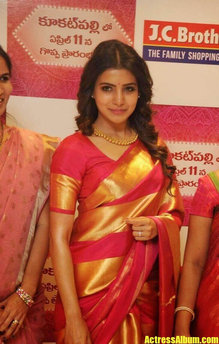 Samantha Latest Stills In Saree