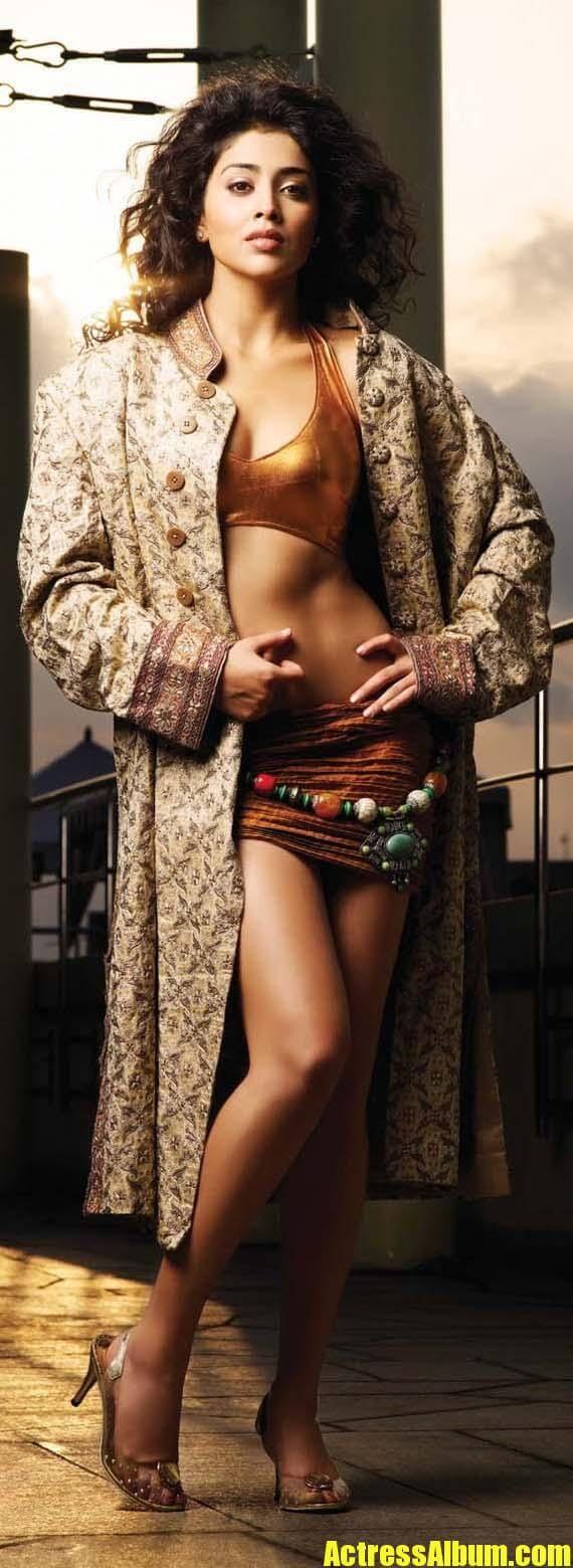 Amisha patel yellow bikini show - 1 part 9