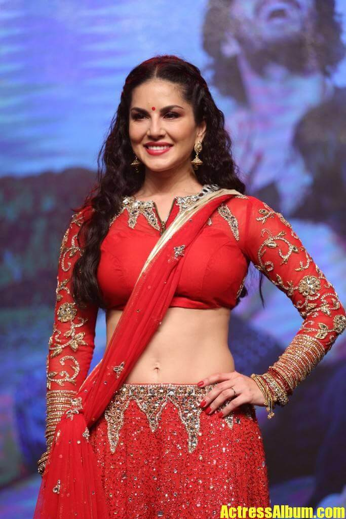 sunny leone in red skirt and crop top   actress album