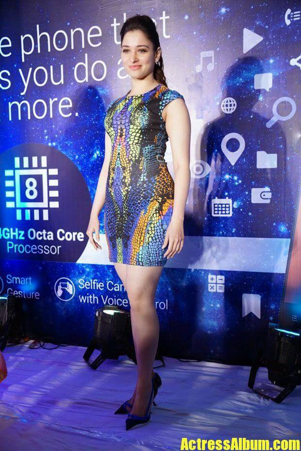 Tamanna Hot Pics At Mobile Store Launch