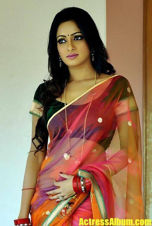 Actress Udaya Bhanu Unseen Beautiful Stills