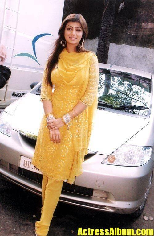 Ayesha Takia Sexy Photo Stills - Actress Album-8847