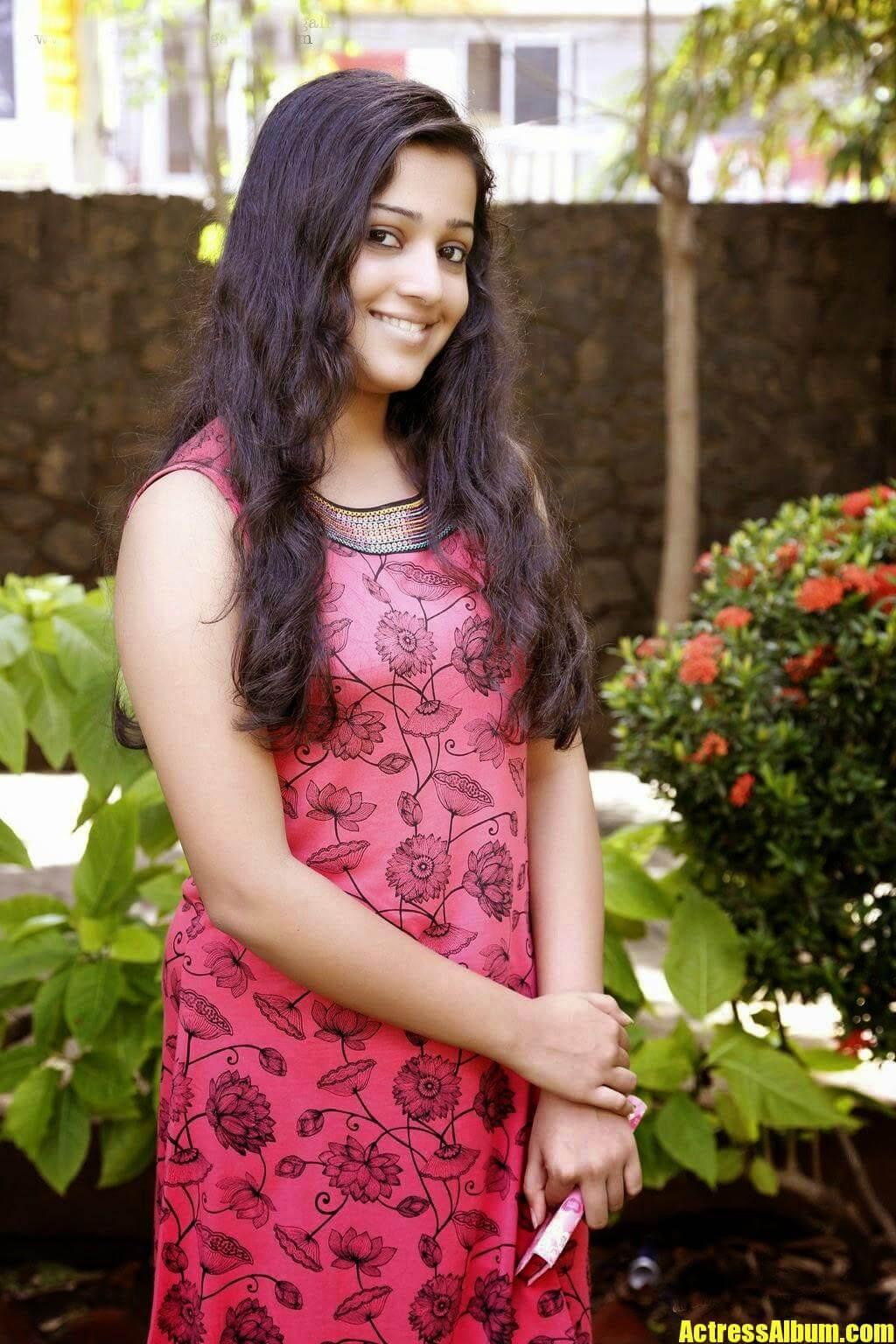 Malayalam Sexy Actress Pics