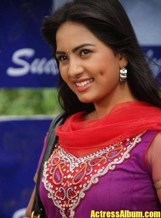 Actress Srushti New Cute Stills